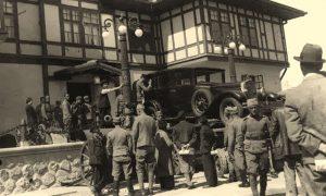 """Automobila """"Delage"""" kralja Aleksandra je bio izložen u Vojnom muzeju na Kalemegdanu, krajem tridesetih. To je jedan od prvih automobila koji su prošli kroz Užice posle Drugog svetkog rata"""