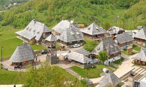 Kusturičin Drvengrad u Mokroj Gori