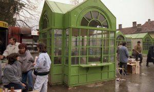 Novi kiosci na pijacu devedesetih