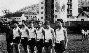 Sreten Dimitrijević drugi s desna, na Međurepubličkom prvenstvu na spravama 1962.godine