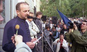Aleksandar Mijalović, od milošte Paganini, tada snimatelj TV5 Užice, na protestima 2000. u Užicu