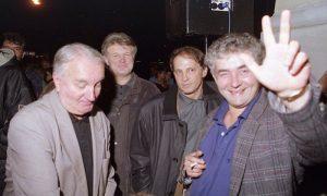 Pok. Rade Jovanović, pok. Vitomir Tomić Smešak, Milan Mijušković i Toni Stanković na protestima 2000.