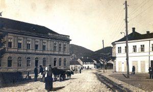 Fotografija iz Crkvenog parka ka Gimnaziji za vreme austrougarske okupacije tokom Prvog sv. rata