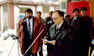 Vujović i Sokrat prilikom postavljanja kamena temeljca Pošti br. 2