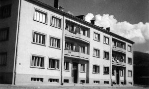 Oficirska zgrada u Omladinskoj u vreme bitaka klinaca