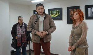 Otvaranje Slađanine izložbe, s desna: Nada Selaković, Darko Dozet, Slađana Pantelić