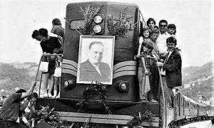 Dolazak prvog voza na stanicu u Krčagovu (foto porodične kolekcije Žića Miloševića)