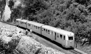 "Motorni voz 801 nazvan u Užicu ""Ludi Sarajlija"" (foto Forum ljubitelja železnice)"