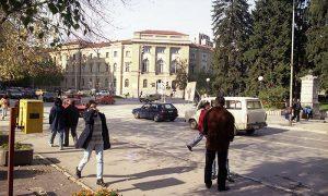 Užice 1998, ispred Robne kuće Beograd
