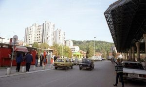 Užice 1998, ispred autobuske