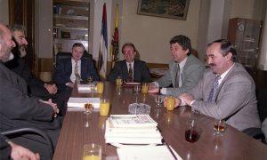 Užički sveštenici u poseti opštinskim funckionerima socijalistima, 5. januara 1996.