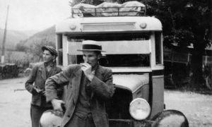 Mišo Šlanjo u vreme kada se bavio prevozom pošte i taksi prevozom
