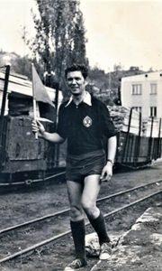 Vidan Đenić 1969. u vreme kada se bavio sportom na železničkoj stanici u Begluku