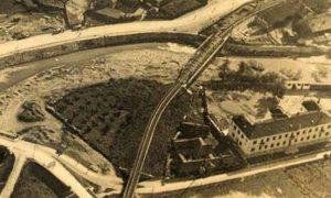 Silazak sa Aleksadrovog mosta prema Velikom parku, nadvožnjak i gradilište javnog kupatila 1936. godine