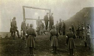 Austrougari vešaju u okolini Užica