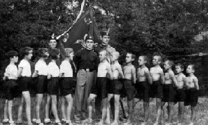 Za Užičke Sokole najvažniji je bio podmladak, što potvrđuje i ova fotografija snimljena u Velikom Parku