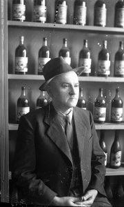 """Risto Petrović, vlasnik kafane i trgovine na veliko pićima, posebno """"Užičke klekovače"""" u ulici Vojvode Demira"""