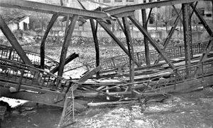 Prelomljeni železnički most od Nemaca 1944.
