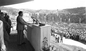 Titovo obraćanje okupljenima u Krčagovu