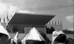 Tito i molerske kape (fotografija Ilije Lazića)