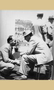 Krcun za vreme Titovog govora (fotografija Ilije Lazića)