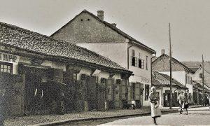 """Opančar """"Kuzelj i kompanija"""", radnja je bila na Glavnoj ulici preko puta današnje fracuske banke"""
