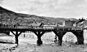 Nekadašnji drveni most u Omladinskoj ulici