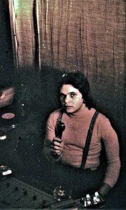 Disko džokej Kovač u kabini Omladinskog kluba