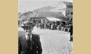 Stara Drinčića kafana sa tendom i tezgama ispred, 1931. godine