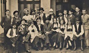 """Godine 1934. Dramska grupa KUD-a Abrašević Petrović, Vlajko, Čvoro C. Dabić, Kosa P. Rada, prestava """"Đido"""""""