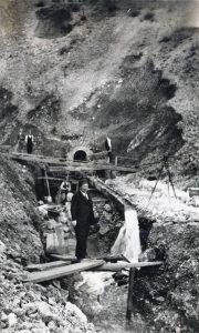 Gradnja vodovoda, Nikola Prohorov u prvom planu