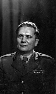 Tito koga je snimio u svom užičkom ateljeu Ilija Lazić 1945. godine