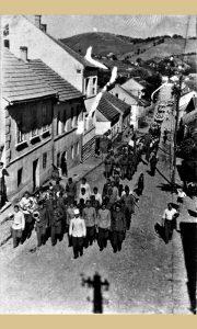 Sletska smotra za prvi slet 1945. godine (foto Vlajko Kovačević)