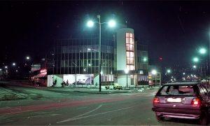 Garaža noću
