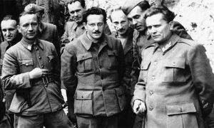 Vrhovni štab u Drvaru, Tito u uniformi koju je sašio Boško Ignjatović