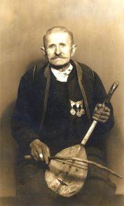 Gvozden Đenić, ratnik i guslar