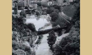 Gvozdeni železnički most