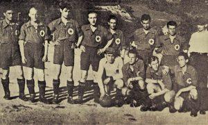 "Retka fotografija ""Slobode"" sa svojim prvim zvaničnim trenerom Gazepijem, prvi s desna"