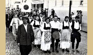 """Defile za 1. maj, u prvom planu KUD """"Prvi partizan"""" i njihovi strelci"""
