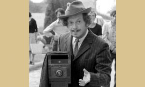 Glumac Nikola Simić, lik nadahnut užičkim fotografom Ilijom Lazićem - Miroslav Ilić-Guliver