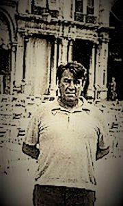 Profesor Miš Vas snimljen na eskurziji gimnazijalaca u Veneciji sedamdesetih godina 20. veka