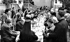 Foto sa svečanosti otvaranja Parohijskog doma