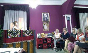 """Hor """"Zlatiborska vila"""" na probi u biblioteci Parohijskog doma"""