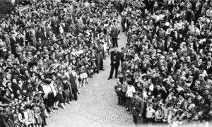 Ilija Lazić na jednom od mnogobrojnih manifestacija u slavu Tita