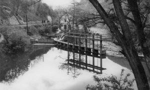 Deo jezerca, centrala Đetinja ispod brane u Velikom parku