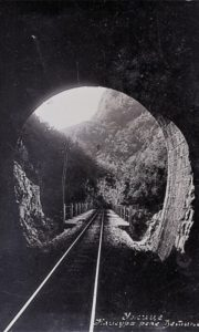 Jedan od tunela u klisuri Šetinje kada je tu purnjao ćira