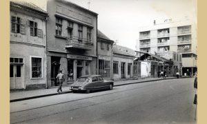 Ispod prizemnog dela starog Hotela Zlatibor prema Đetinji