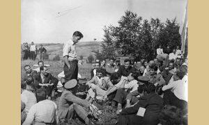 Krcun govori na prvomajskom uranku na Beloj zemlji 1948.