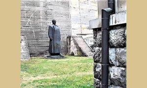 Titov spomenik sada