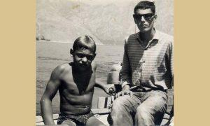 Prvi put vozio motorni čamac uz pomoć ekonoma Mila, a posle i samostalno